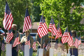 Memorial_Day_Flagged_Crosses